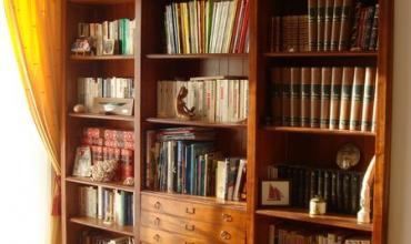 Bibliothèque sur plan sur-mesure à Châteauneuf-le-Rouge (13)