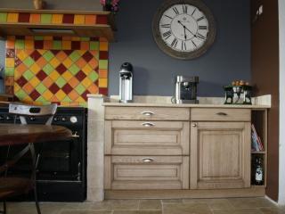 Création d'un meuble utile pour une cuisine ouverte industrielle à Marseille