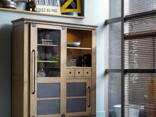 Armoirette 2 portes 1 tiroir  L140 H175 P45 prix indicatif 2488€ + ecotaxe 9,5€