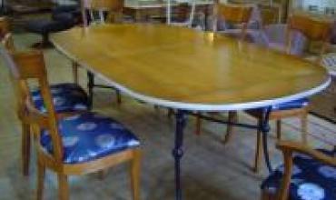 Table ovale CLUB piettement fer forgé la qualité française en merisier ou en chêne