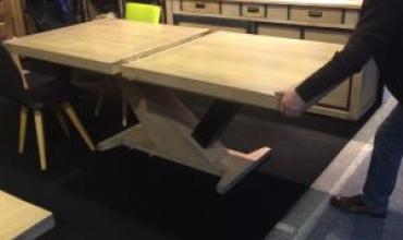 table en chêne massif Helsinki, industrie ou contemporaine 4 allonges fabrication 100% francaise