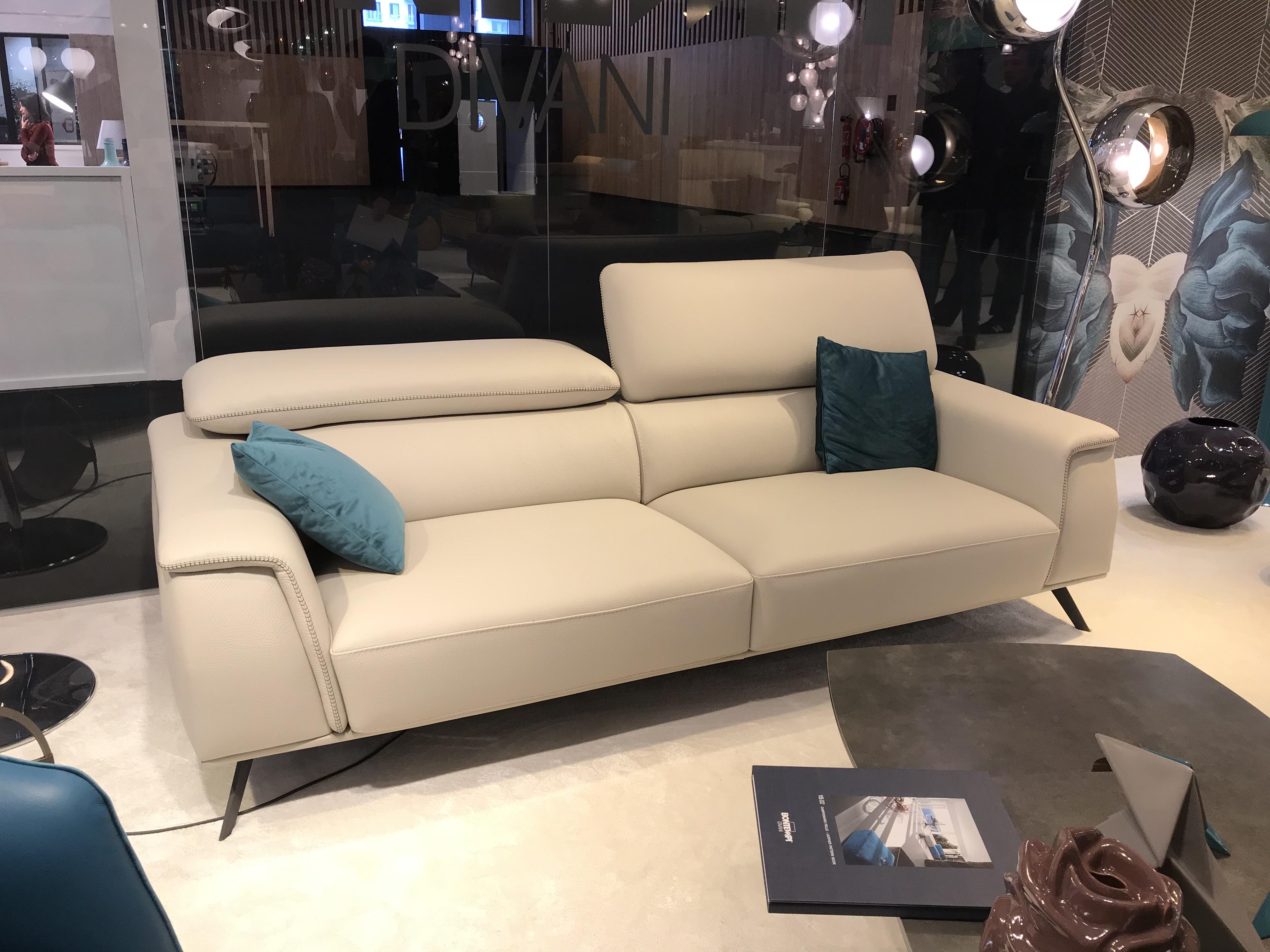 Canap aston de bontempi divani la qualit le design et le confort made in italie for Canape bon rapport qualite prix