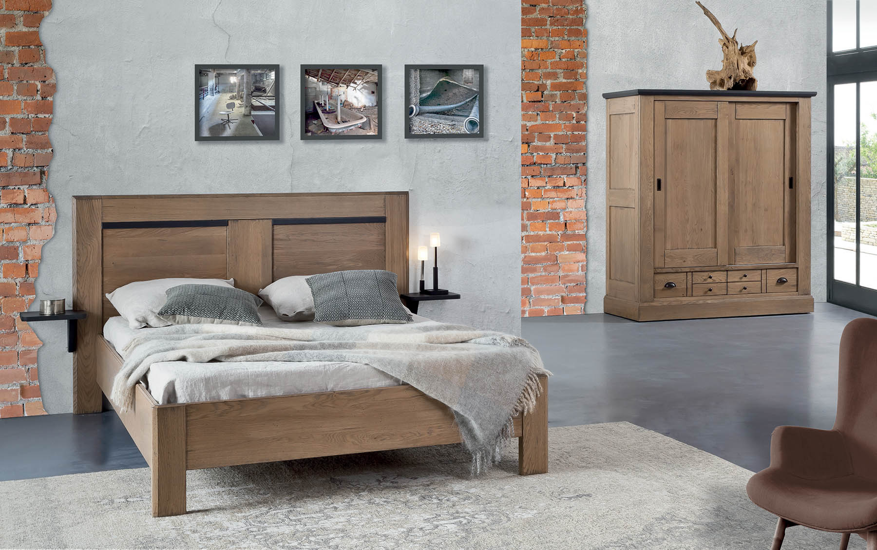 chambre en ch ne massif marseille romane sur draguignan. Black Bedroom Furniture Sets. Home Design Ideas