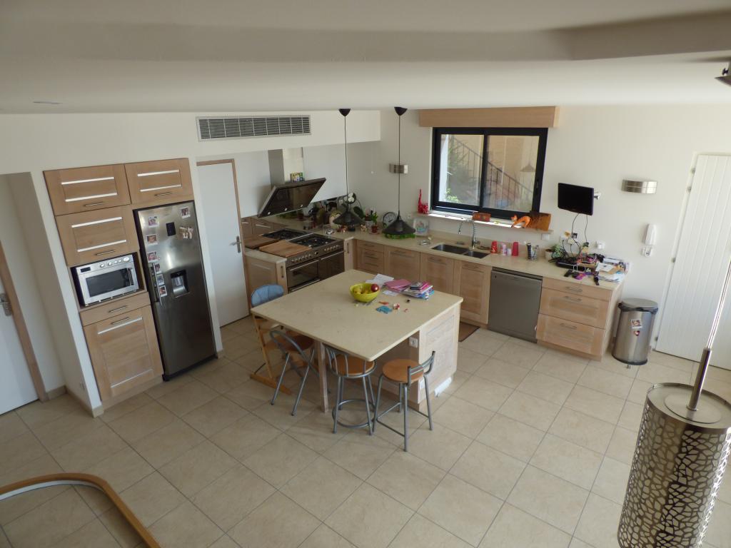 cuisine en ch ne de france massif mod le roche aix en provence. Black Bedroom Furniture Sets. Home Design Ideas