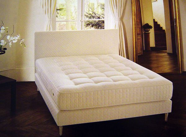 literie tr ca matelas imp rial pulmann ressort vente literie fixe. Black Bedroom Furniture Sets. Home Design Ideas