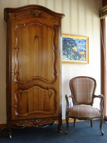 meuble de salon de style proven al vente meubles de salon marseille. Black Bedroom Furniture Sets. Home Design Ideas